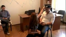 Striptease intr-un birou din Romania