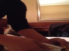 Romanca suge pula unui italian in hotel