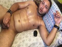 Claudiu3000 România masturbare chaturbate