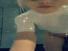 Alexandra Stan goala pe internet XXX