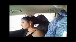 Romanca suge pula in masina